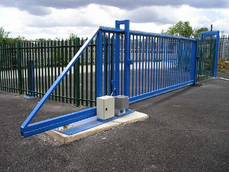 Cantilever Sliding Gate.jpg