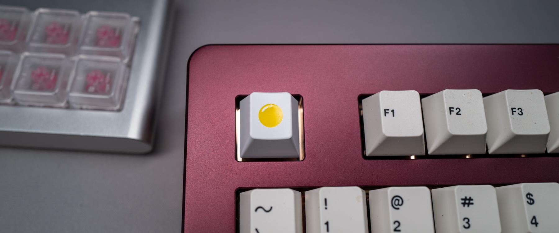U80-A PORT w/ MILK Artisan Keycap