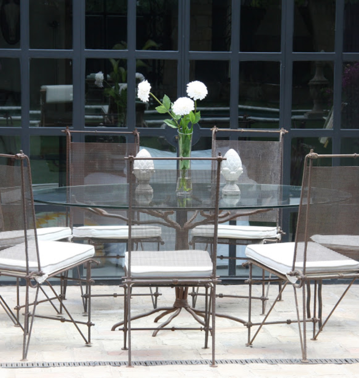 Mesa y sillas comedor exterior