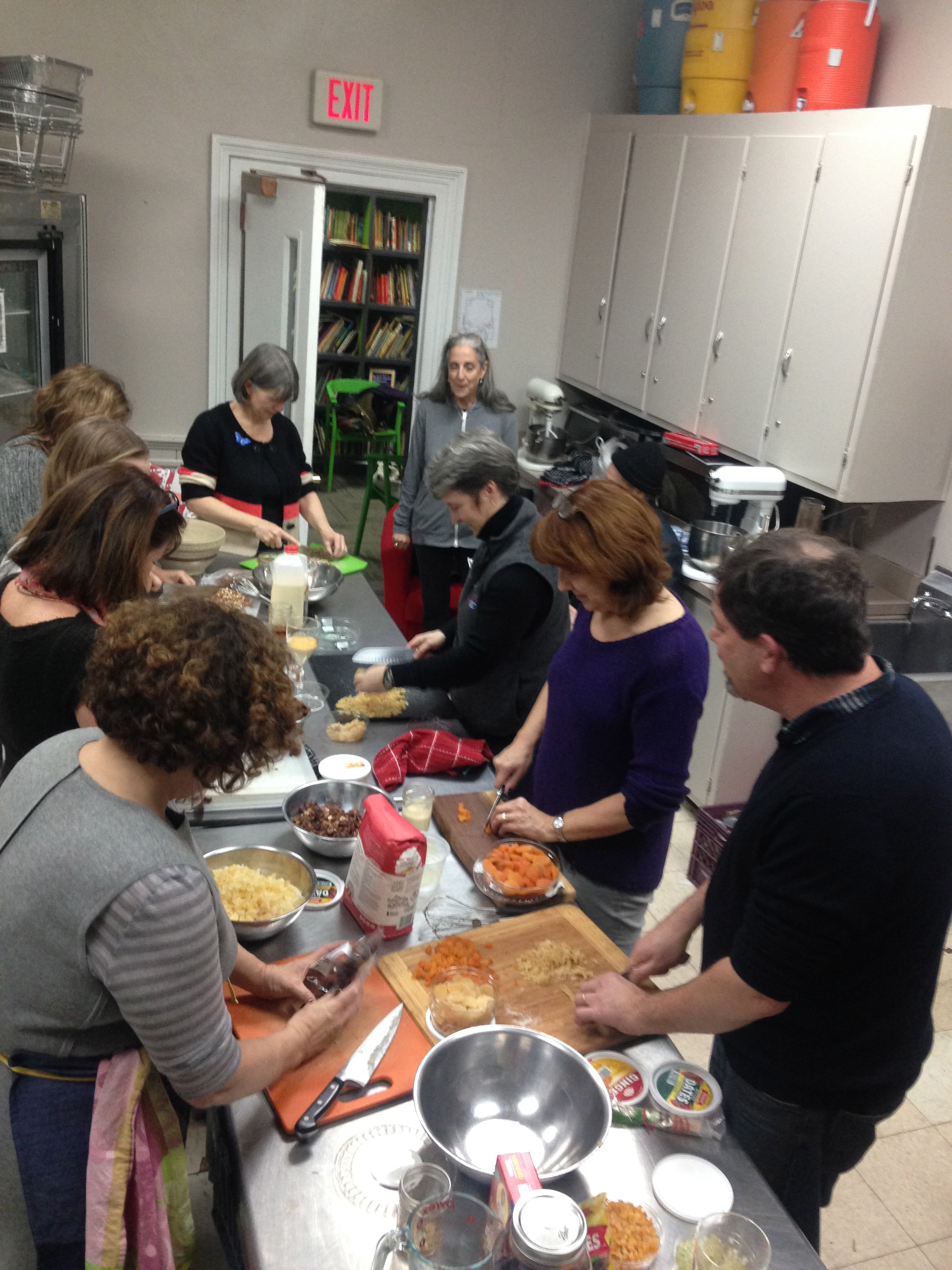 Here we are (Irene, Sally, Francesca, Moriah, Martha, Belinda, Claudia, Tom &Diane)in the throes of chopping madness