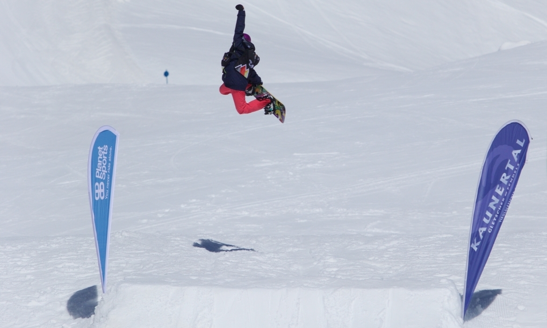 Kids-freestyle-snowboarding-bs-air.jpg