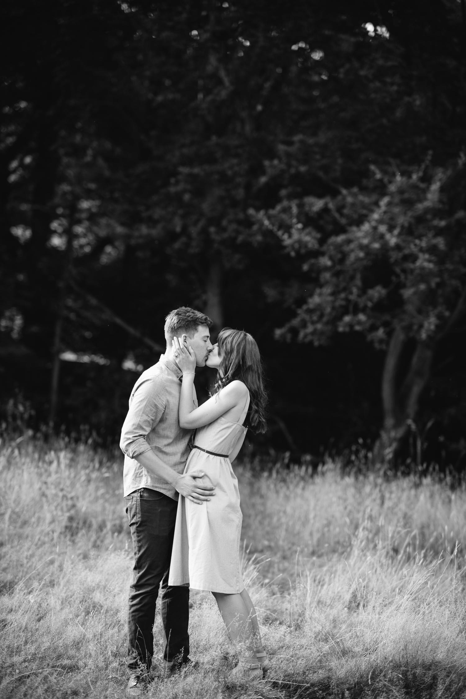 Hampstead-Heath-Engagement-Shoot033.jpg