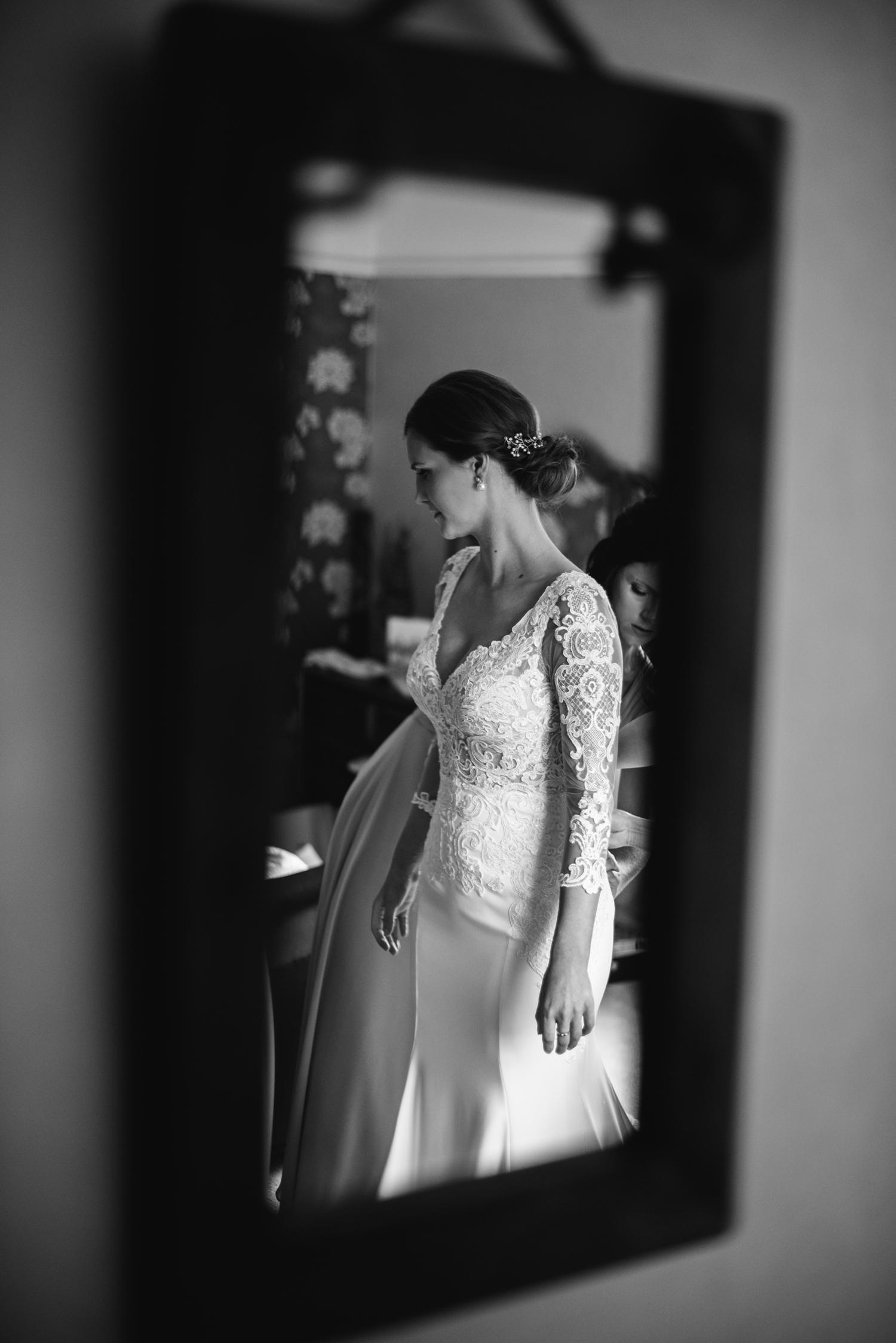 Northbrook-Park-Wedding-Photography-0019.jpg
