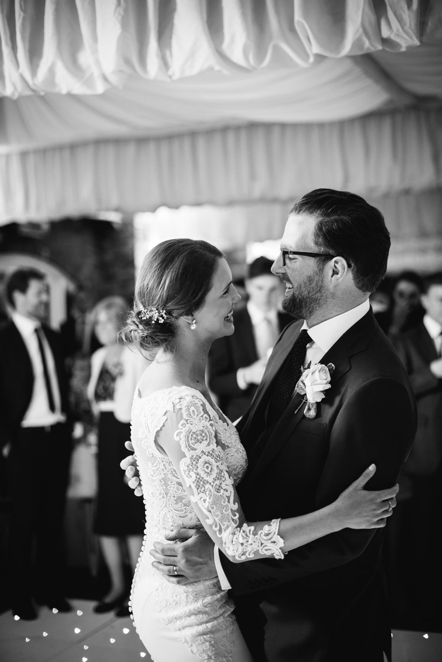Northbrook-Park-Wedding-Photography-0127.jpg