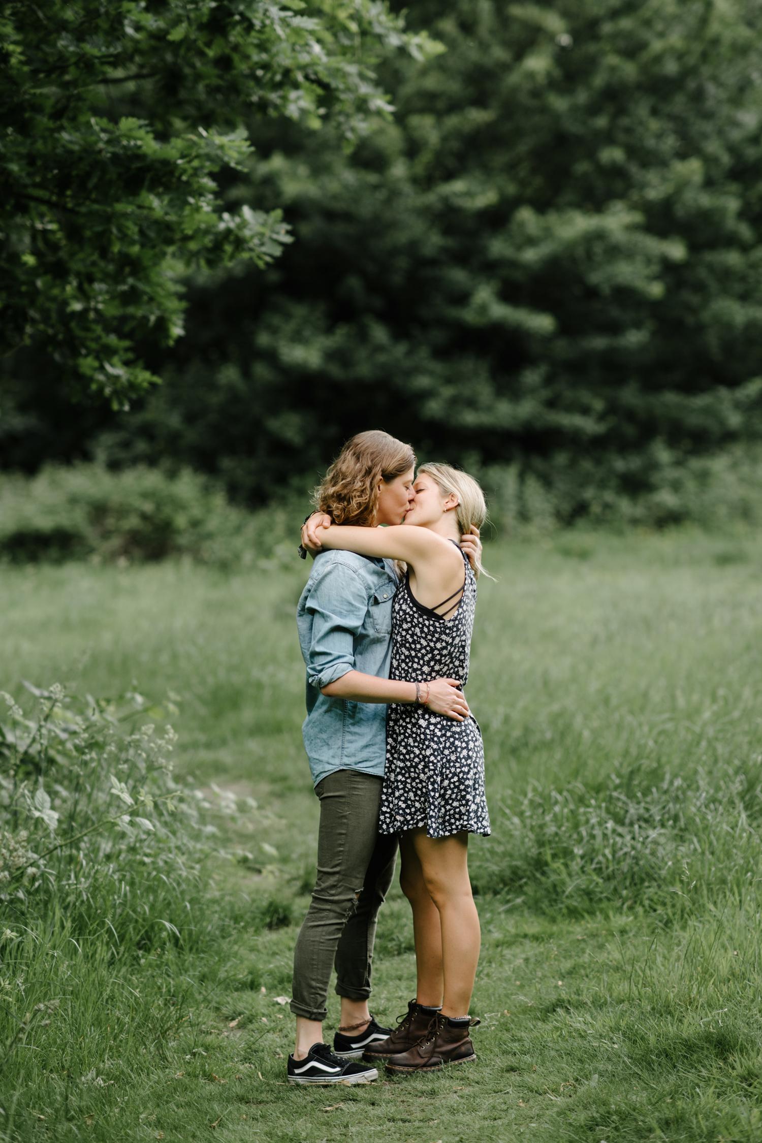 Hampstead-Heath-Engagement-Shoot-008.jpg