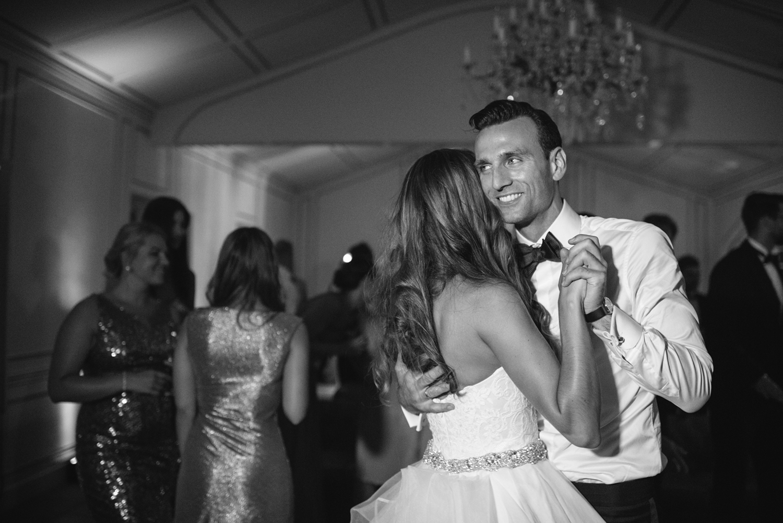 Chateau-Robernier-Wedding-Photographer-0186.jpg