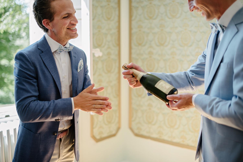 Chateau-Robernier-Wedding-Photographer-0018.jpg