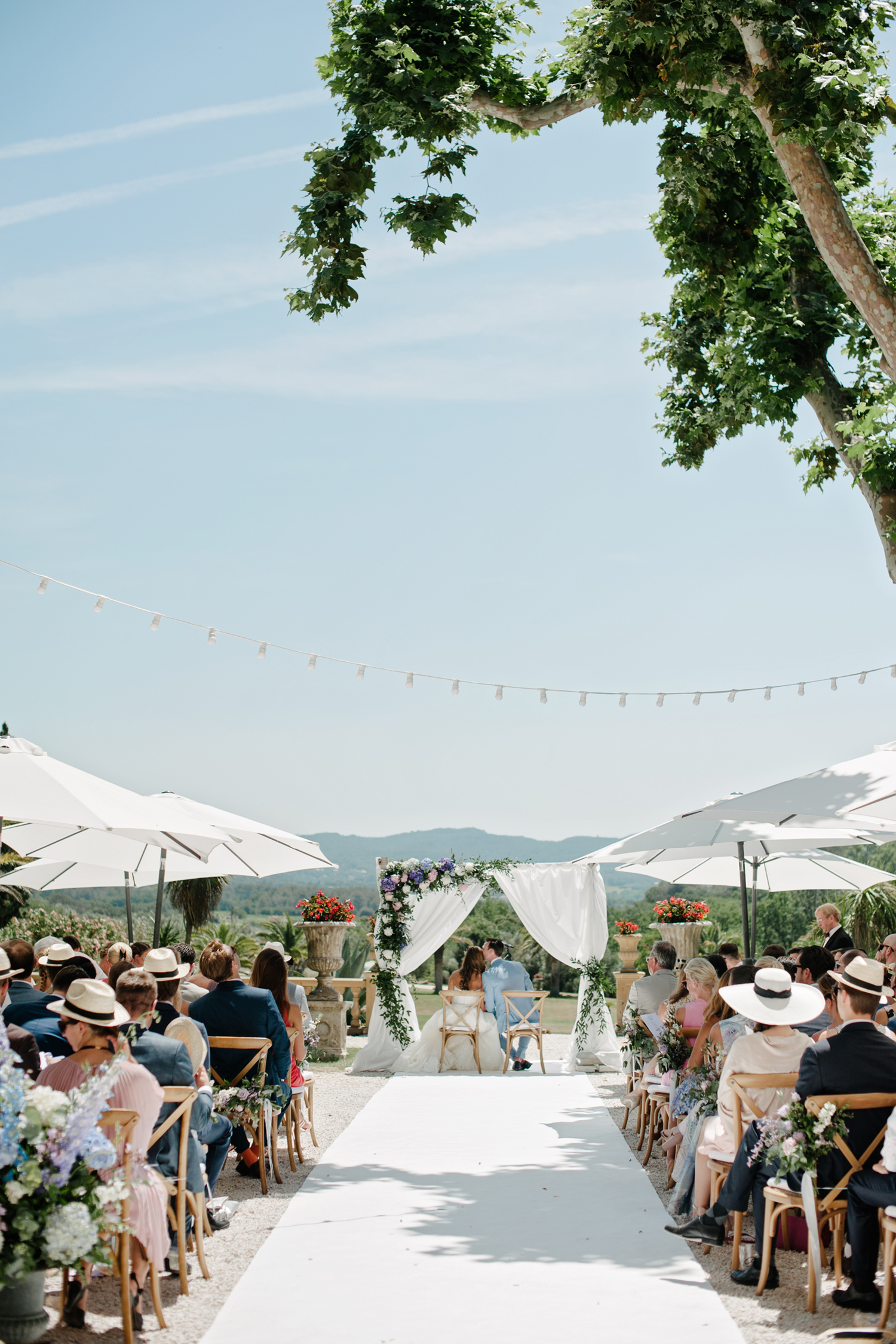 Chateau-Robernier-Wedding-Photographer-0048.jpg
