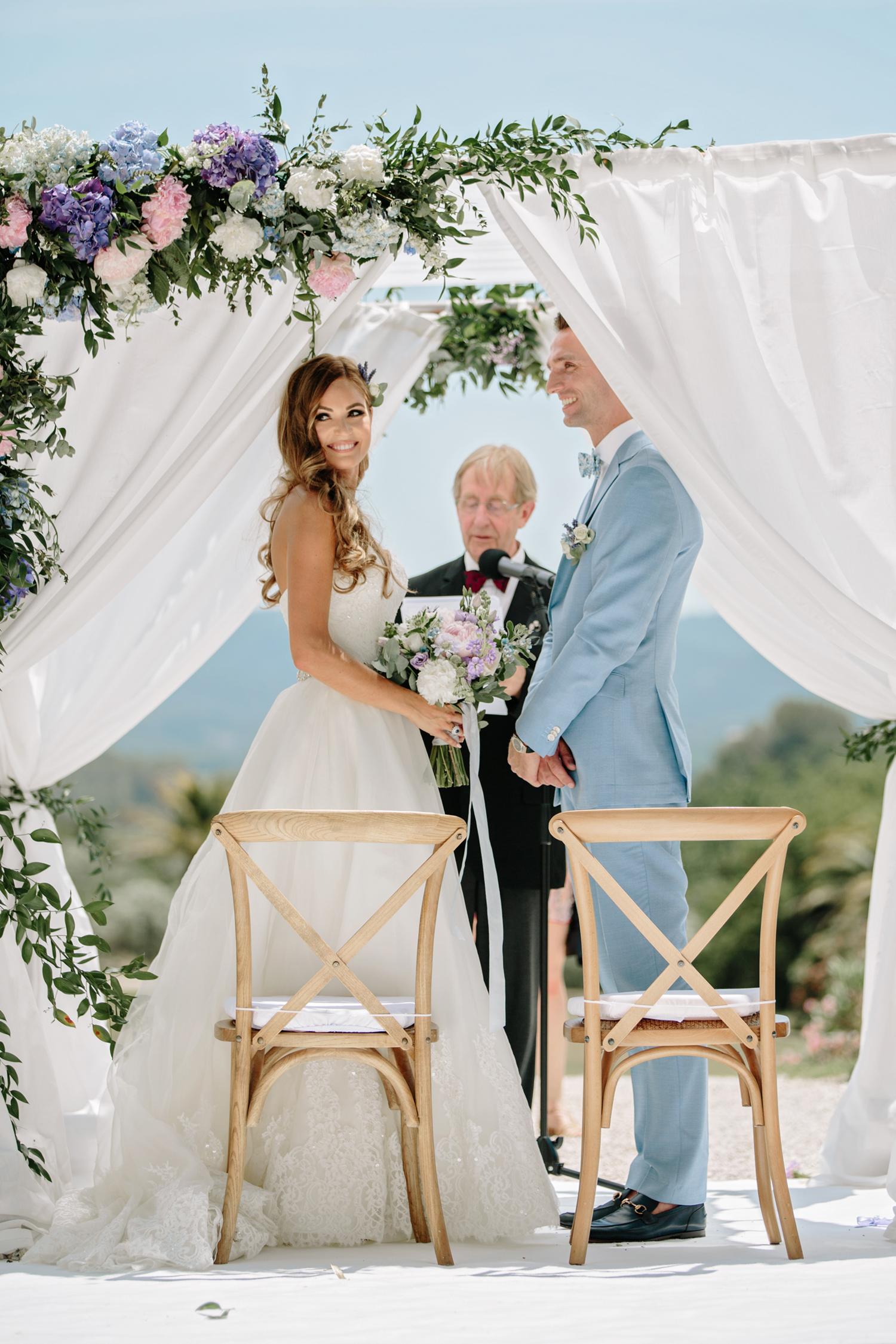 Chateau-Robernier-Wedding-Photographer-0059.jpg