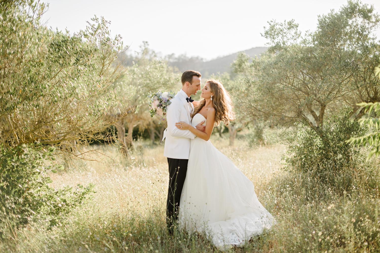 Chateau-Robernier-Wedding-Photographer-0140.jpg