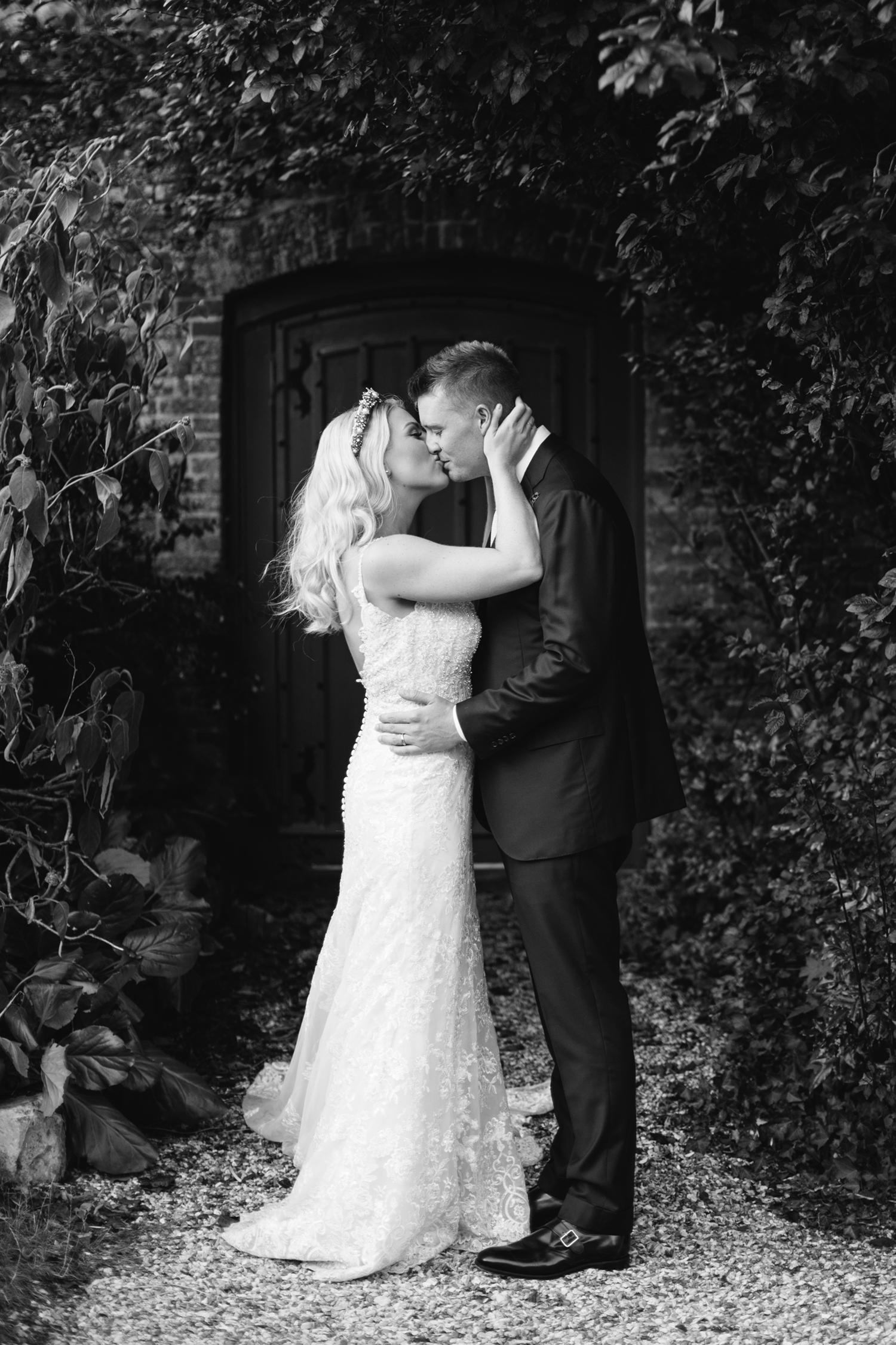 Farnham-Castle-Wedding-Photographer0001.jpg