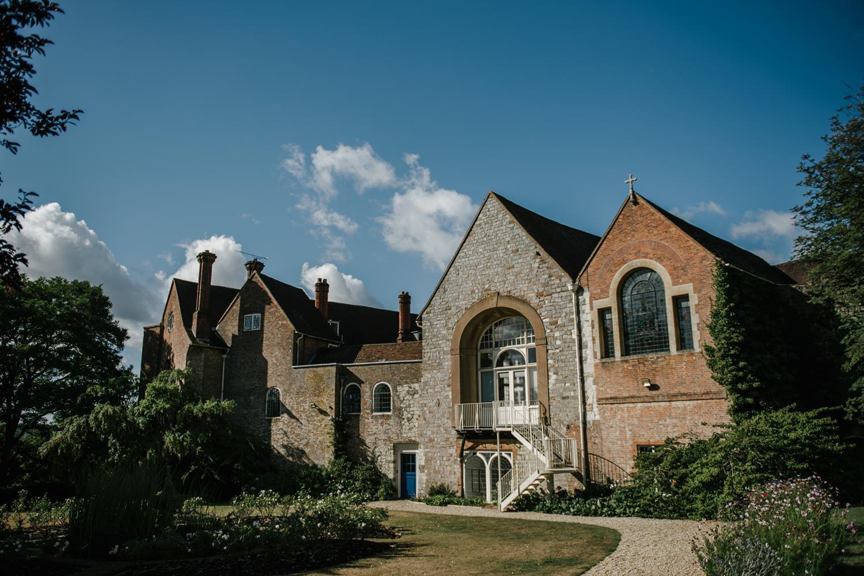 Farnham-Castle-Wedding-Photographer0003.jpg