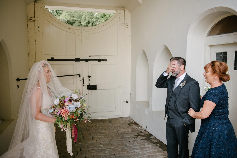 Farnham-Castle-Wedding-Photographer0040.jpg