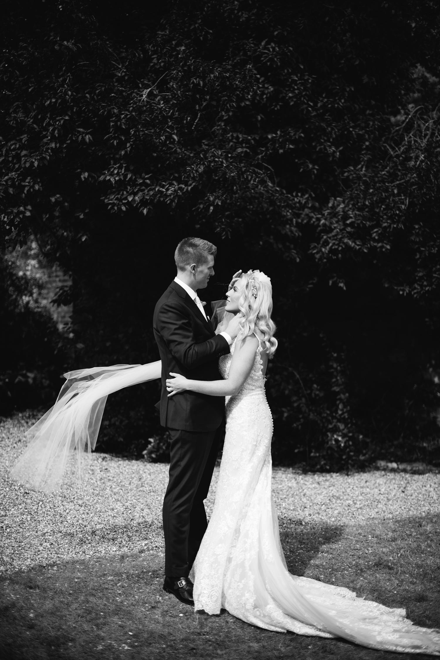 Farnham-Castle-Wedding-Photographer0084.jpg