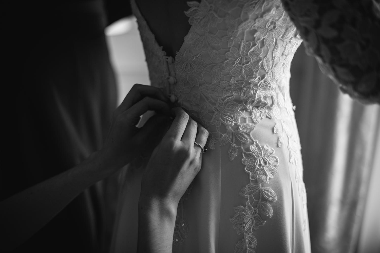 Four-Seasons-Hampshire-Wedding-Photographer-007.jpg