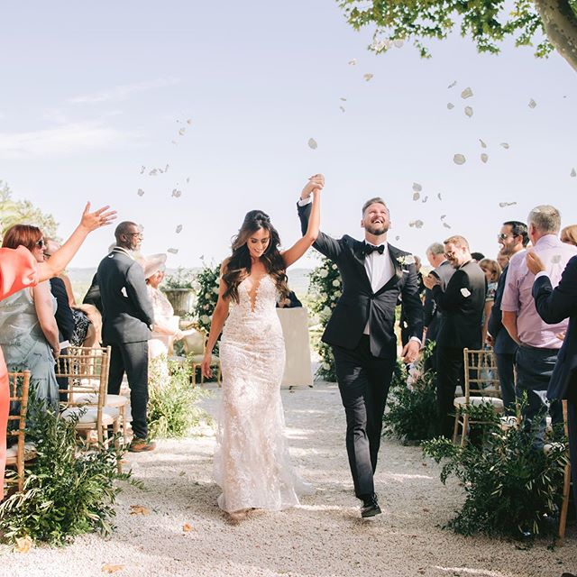 Happy moments @chateaurobernier. More coming soon! Was great working with @benwaltonfilms @weddingangelsfrance ! #timeless #beautifulstorytelling #weddingsbydominiquebader