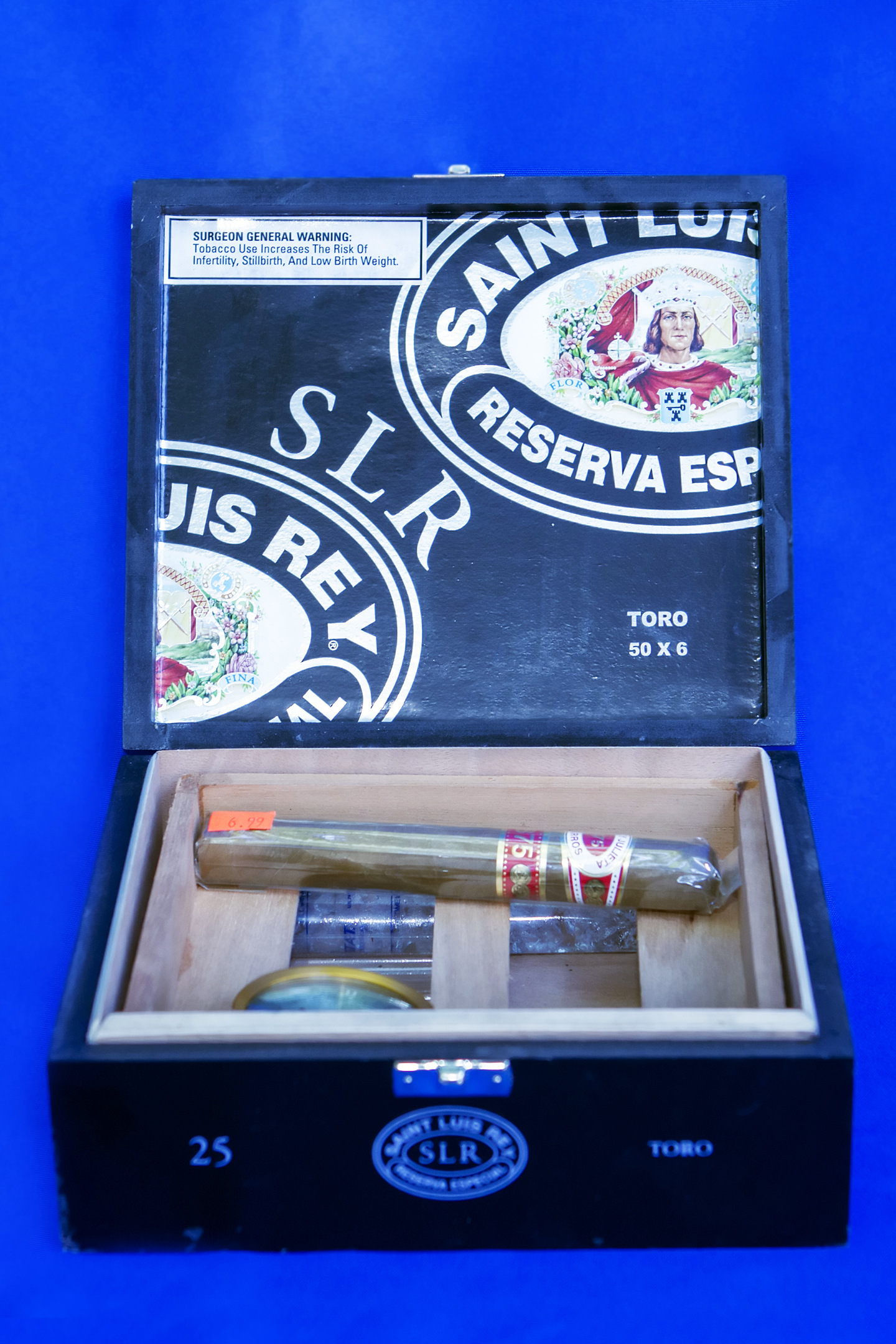 cigar box for 4 x 6 printing.jpg