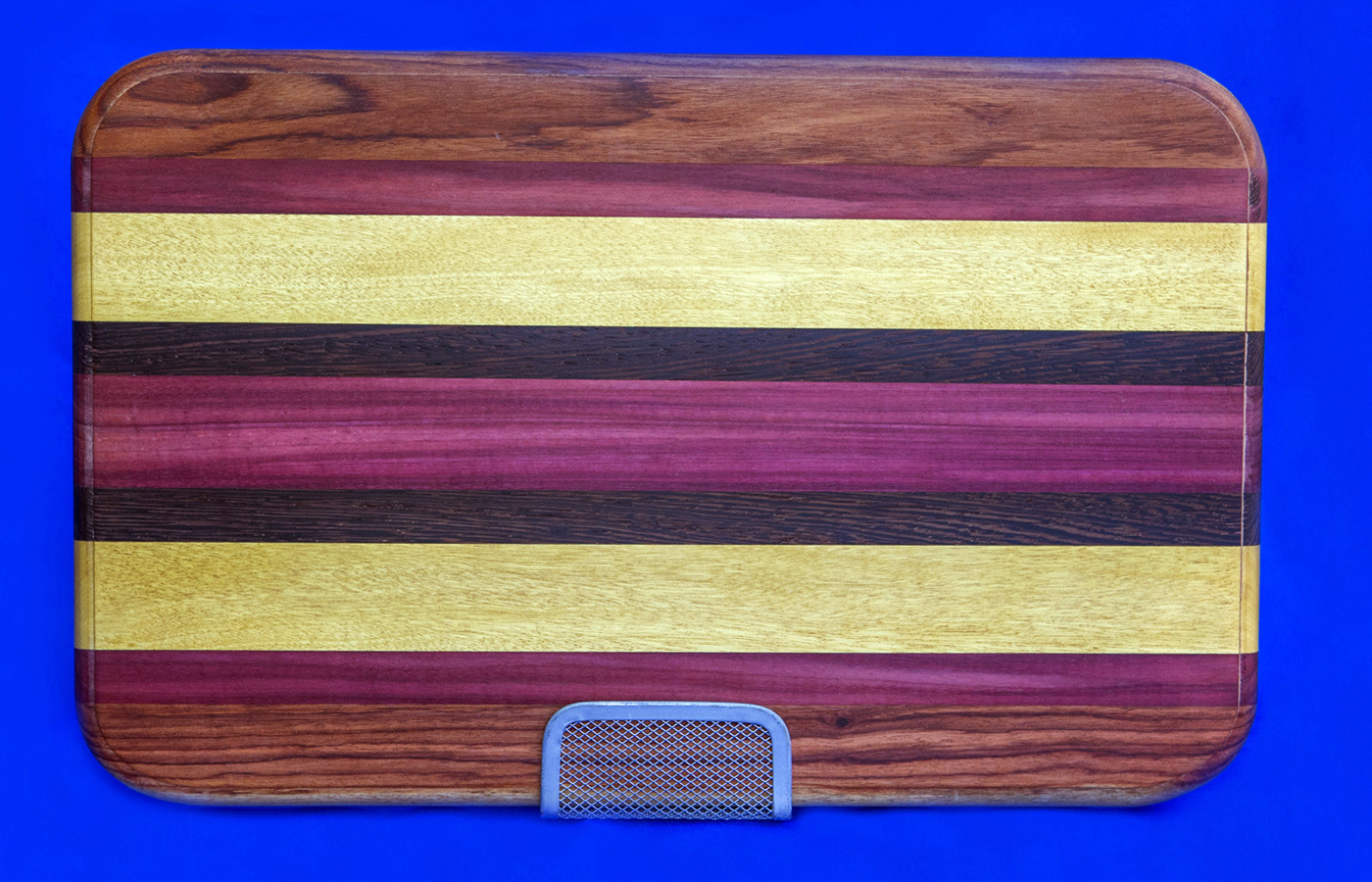 Cutting board for web viewing 1200 x 900 x 90.jpg