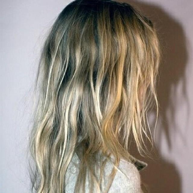 #hairinspo !!! #coolblonde #naturalballiage #sunkissedballiage #livedintexture 💗💗💗 #laboutiquehair