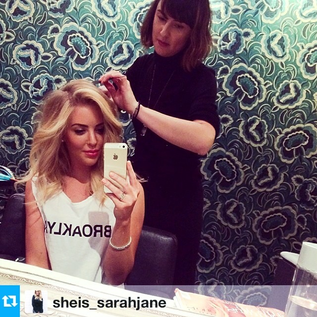 #Regram from @sheis_sarahjaneBOUNCY WAVES & BED HAIR with my girl @hiippypunk at @laboutiquehair in Double Bay. It was an absolute pleasure and LOVED your playlist ;) SJ x #sheissarahjane #sarahjaneyoung #laboutiquehair #doublebay #ministryoftalent #beautyblogger #sisj (at La Boutique)