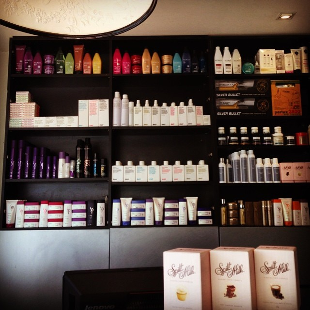 Freshly stocked with all our fave #hairproducts #redken @wellahair #wellahair @evohair #evohair @sachajuan #sachajuan #spiltmilk @christopherobin #christopherobin @ghd #ghd #besthairproducts 💥💥💥 (at La Boutique Coiffure)