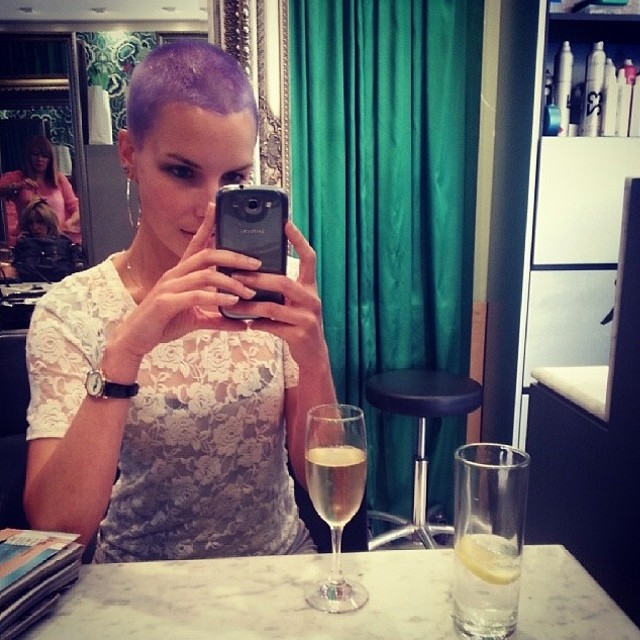 The whole La Boutique team is loving playing with Evo hair Fabuloso Pro, we can create and maintain any colour of the rainbow with their brilliant take home products! Here is the divine Nadia rocking a lilac crop by Jesse Furlan and Tim Cole (at La Boutique)