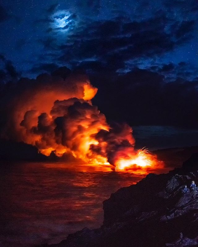 Two views of the Kamokuna ocean entry of the 51g lava flow in Puna, Hawai'i, taken in late November 2016. I hope everyone's having a fabulous Sunday morning wherever you may be. #hawaii #lava #oceanentry #nightphotography #volcano