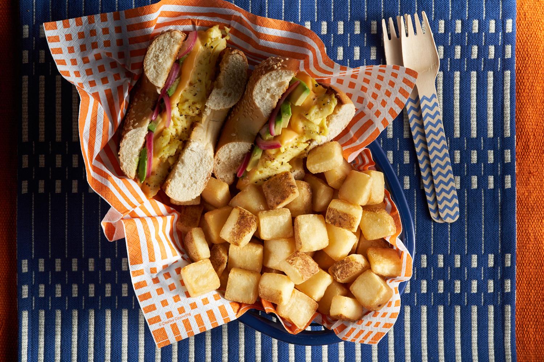06_X01 Breakfast Cubes_VeggieBagelEggSandwich_2019_0016.jpg