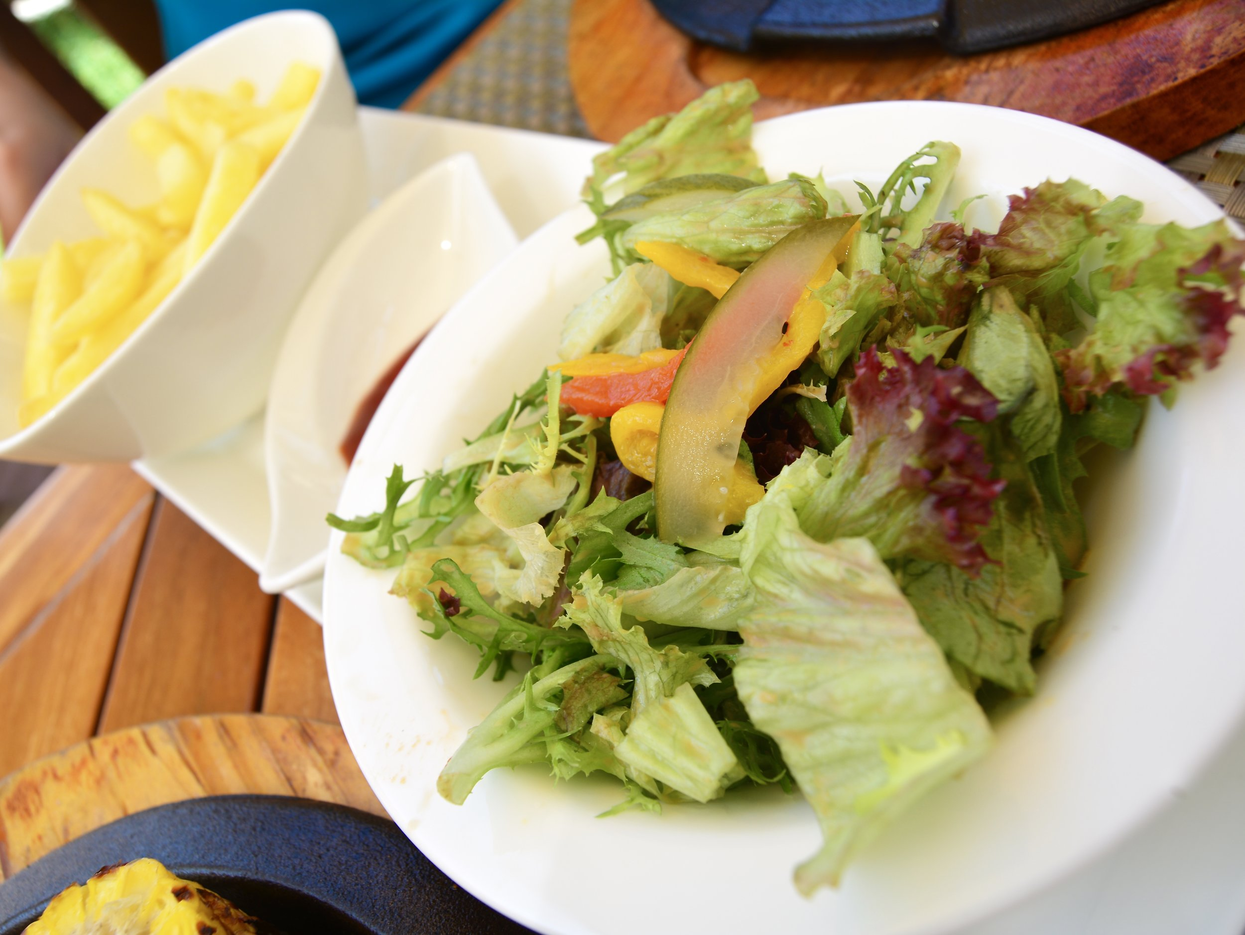 Mixed Greens and Chips (Shangri-La Muscat)