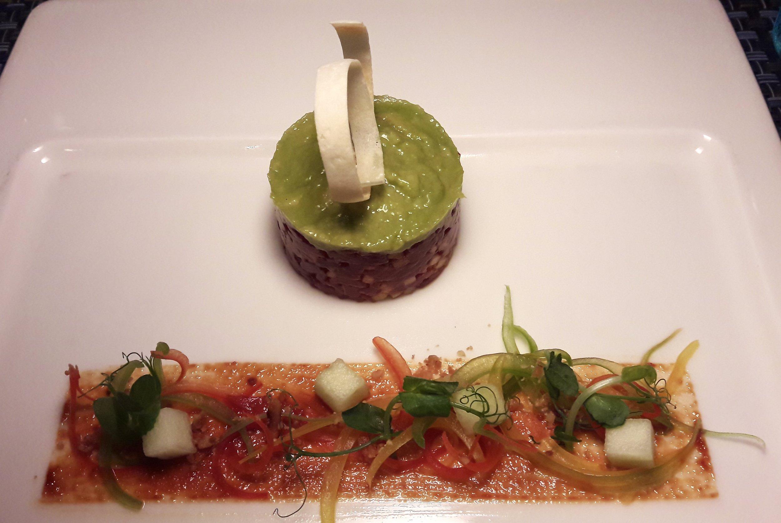 Tuna with Green Apple Tartar (Shangri-La Muscat)