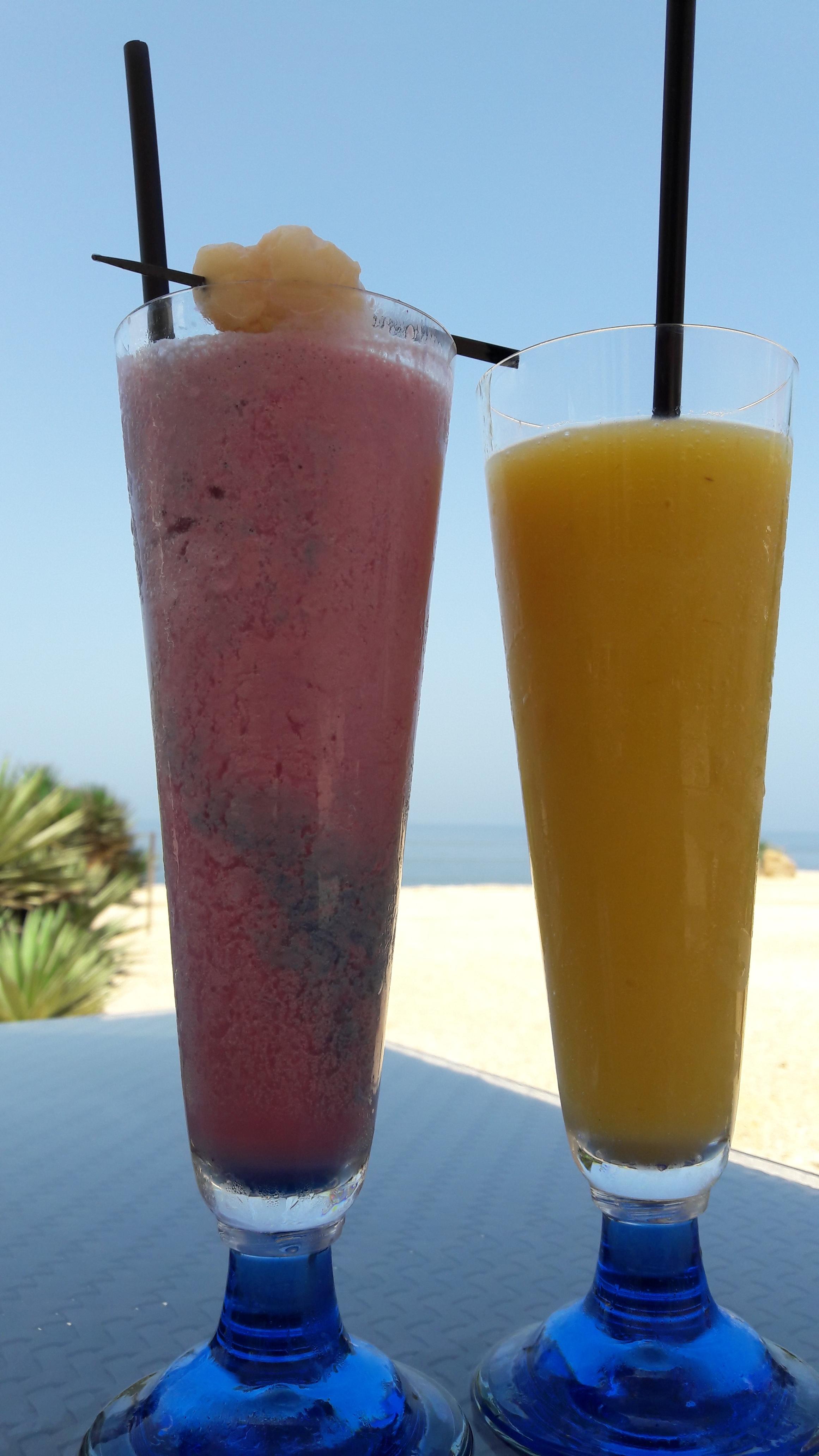 Raspberry Smoothie and Mango Shake (Shangri-La Muscat)