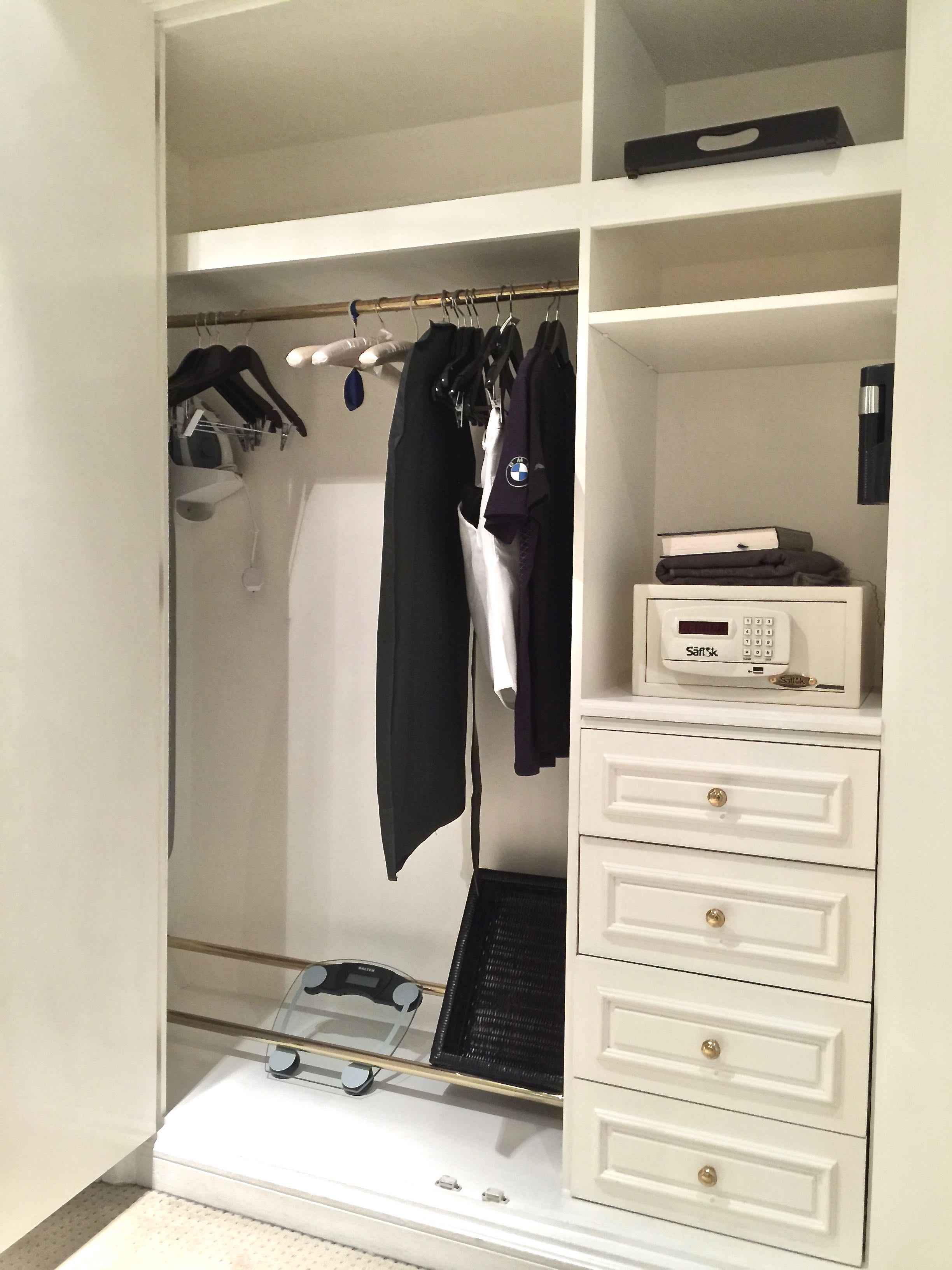 Diplomatic Suite - Walk-In Closet (The Ritz-Carlton, Bahrain)