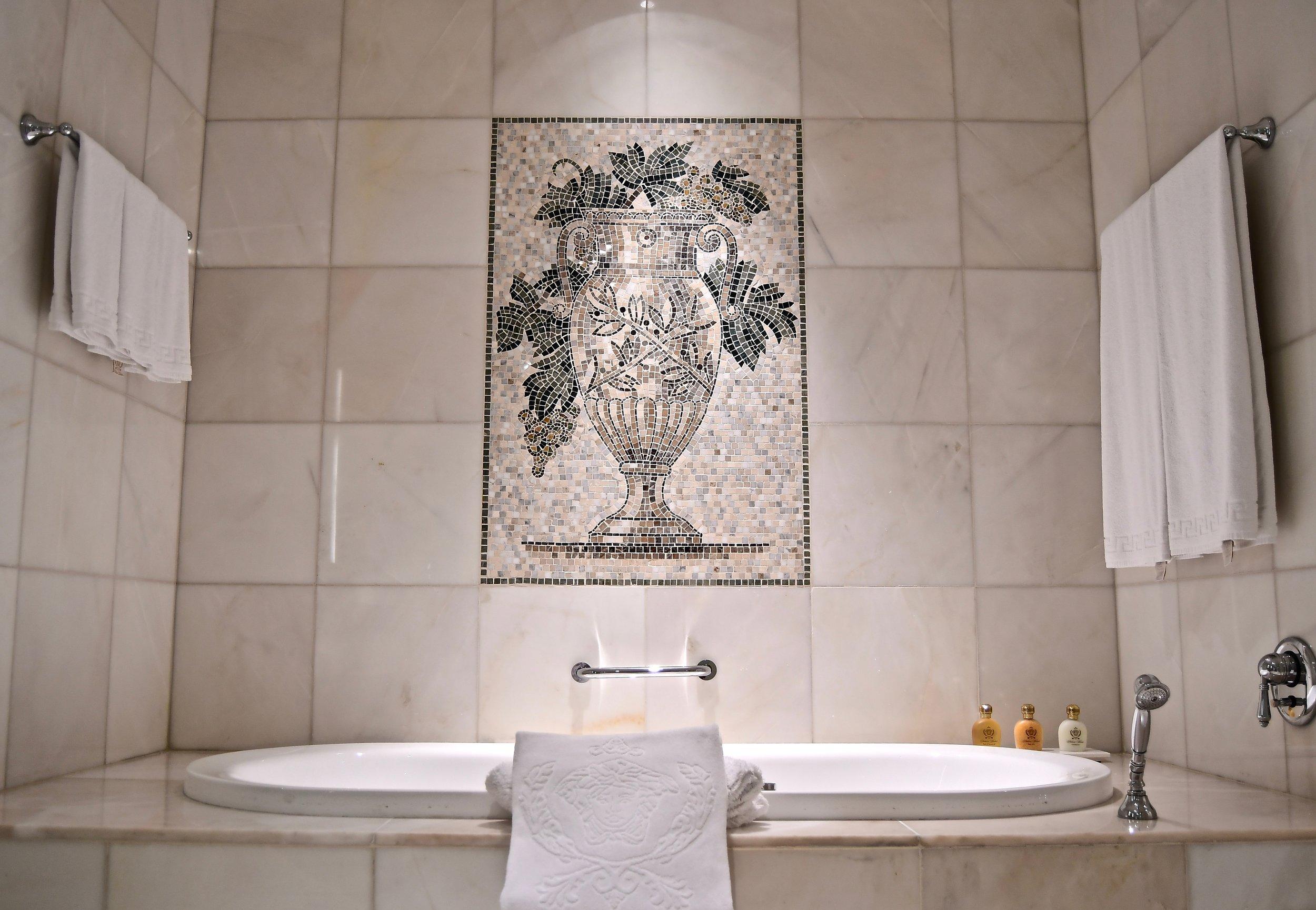 Grand Suite - Spa Tub (Palazzo Versace Dubai)