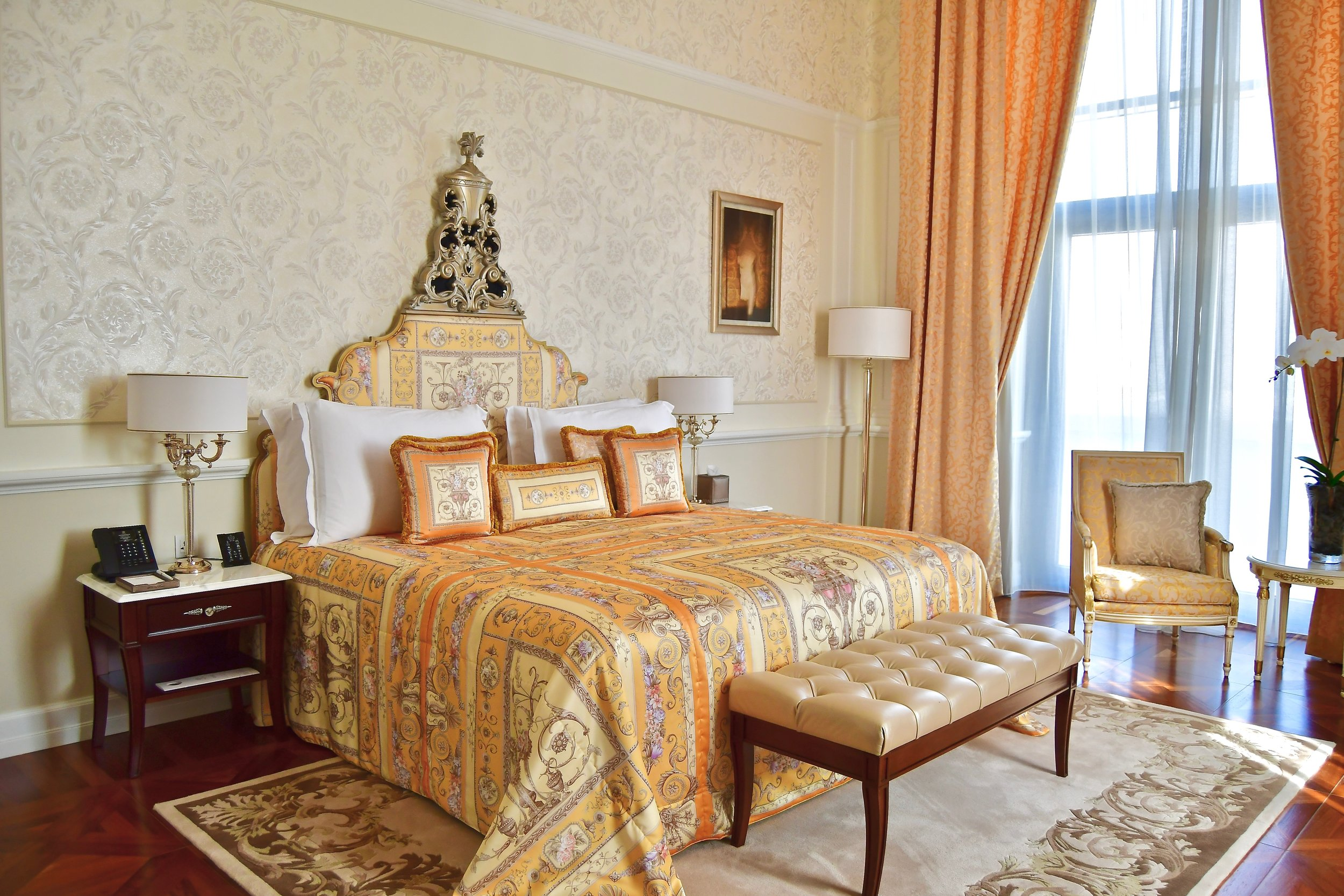 Signature Suite - Bedroom (Palazzo Versace Dubai)