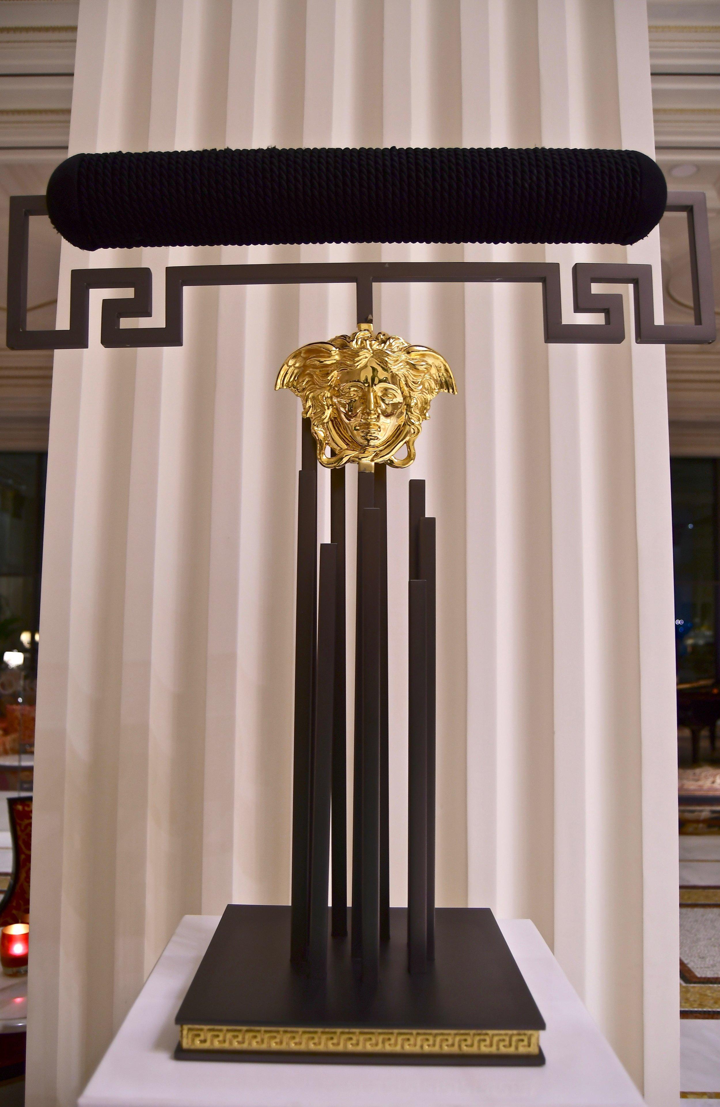 Hotel Lobby - Falcon Stand (Palazzo Versace Dubai)