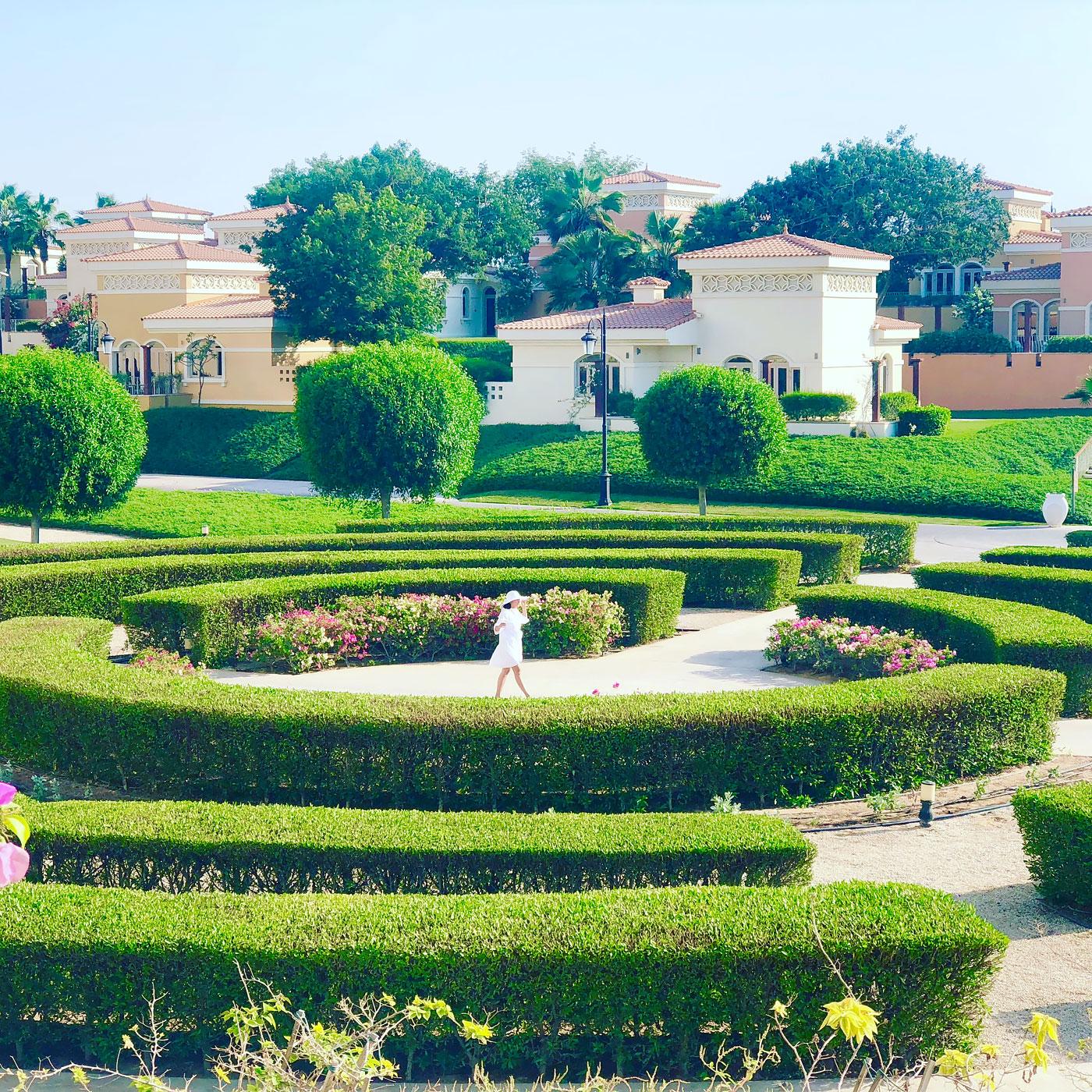 Beautiful landscaped garden (The Ritz-Carlton, Abu Dhabi)