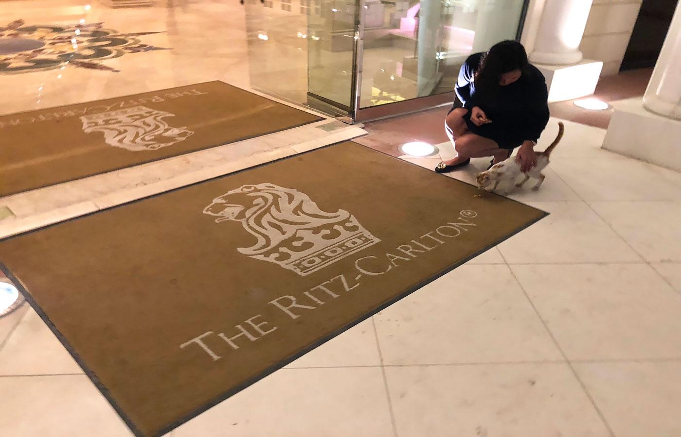 Dirty floor (The Ritz-Carlton, Abu Dhabi)