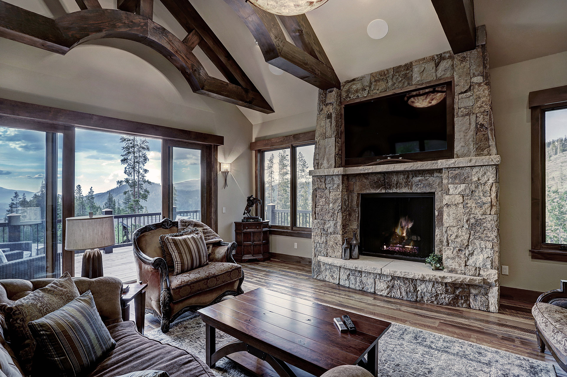 587 Discover Hill Dr_002.jpg