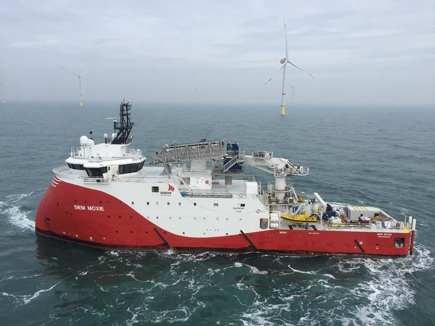 Siem Installs Veja Mate Inter-Array Cables 10 Weeks Early