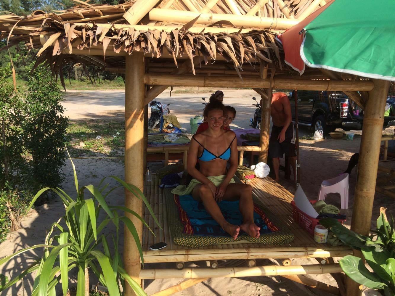 Vyuzili jsme i mistních thajských masáží přímo na pláži. Úžasné!! :)