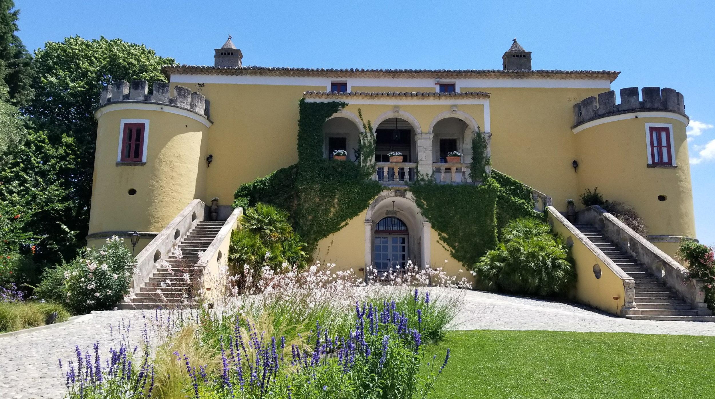 Castello di Serragiumenta.jpg