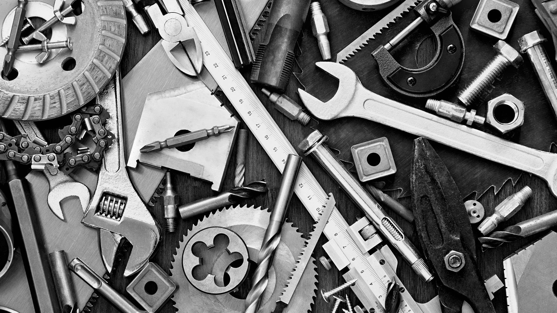 tools-toolbox-bw-ss-1920.jpg