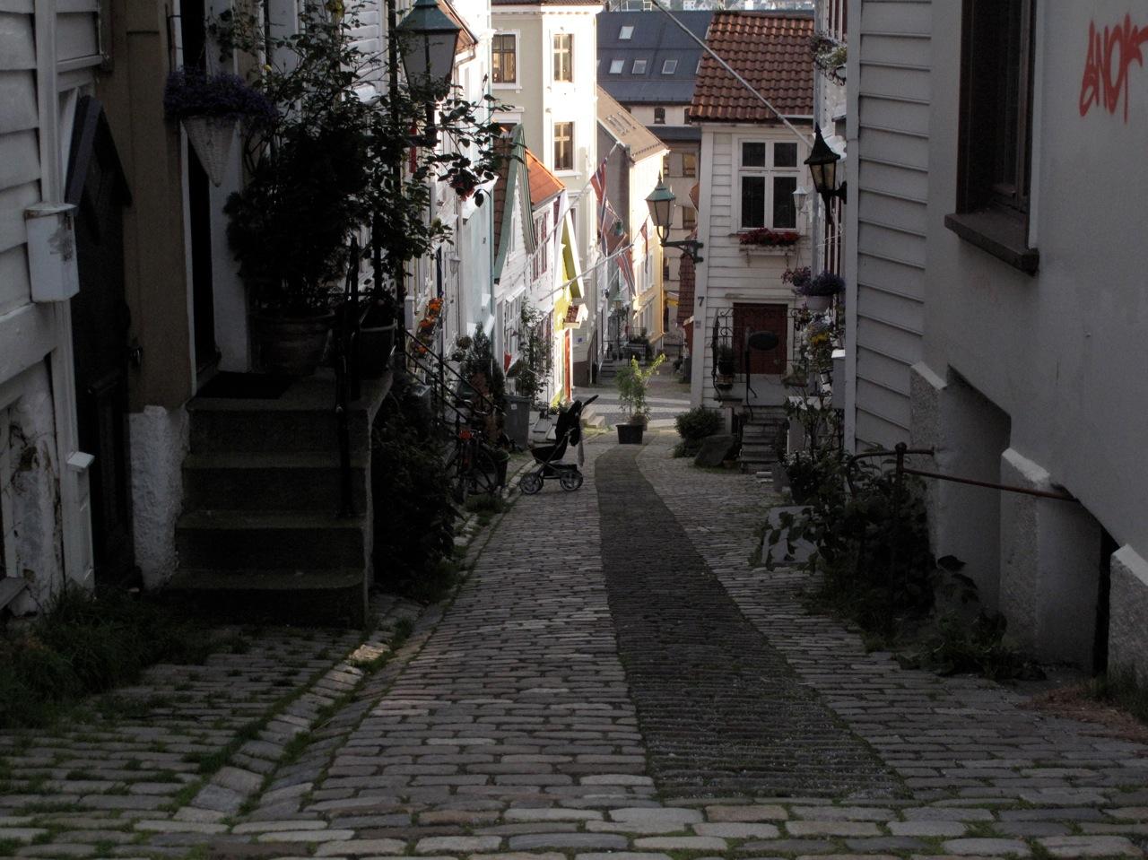 Bergensgatene får sykkelbesøk. Men blir det en turistoppsving verd 70 millioner kroner? Foto: Odd Roar Lange