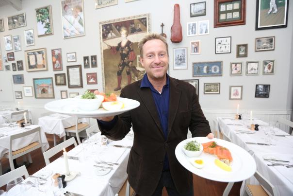 Adam Price - en trivelig kar med en hyggelig restaurant. God mat, god drikke, husk å ta deg god tid (ps: sjansen for at du treffer Adam i restaranten er ikke overveldende stor)