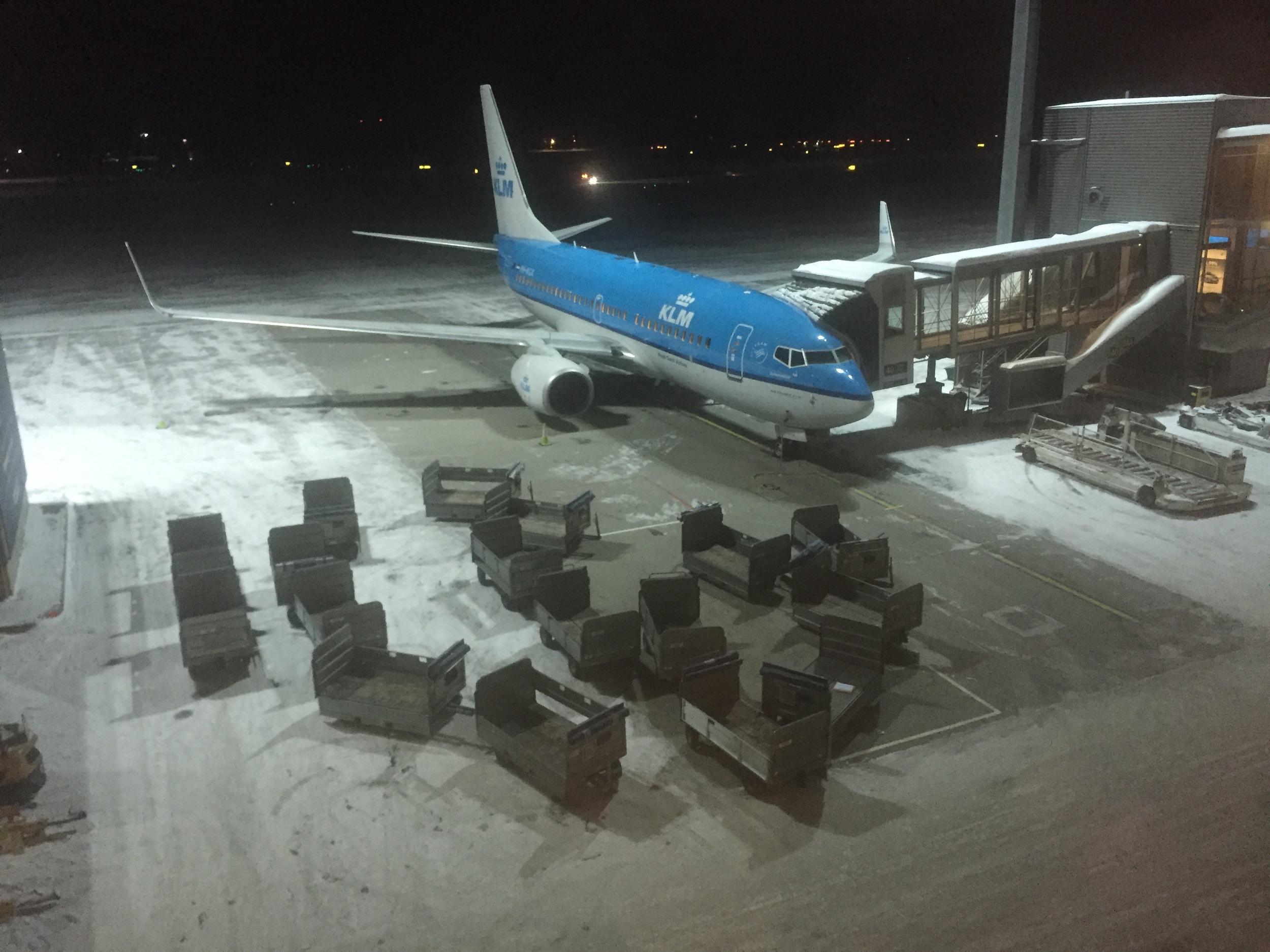 Tomme bagasjetraller, fullt fly, god tur.                           Foto: Odd Roar Lange