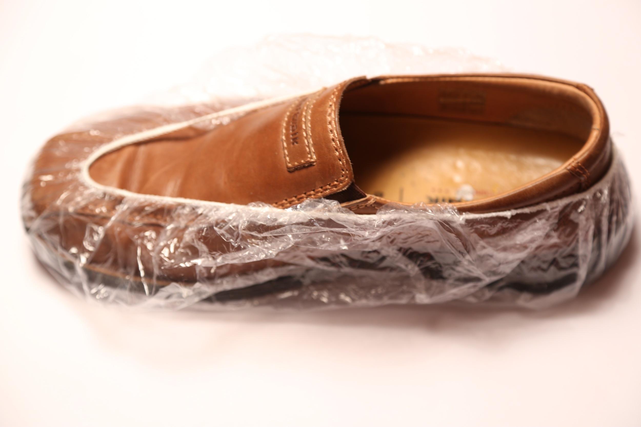 Vet du hvordan du skal pakke skitne sko?               Foto: Odd Roar Lange