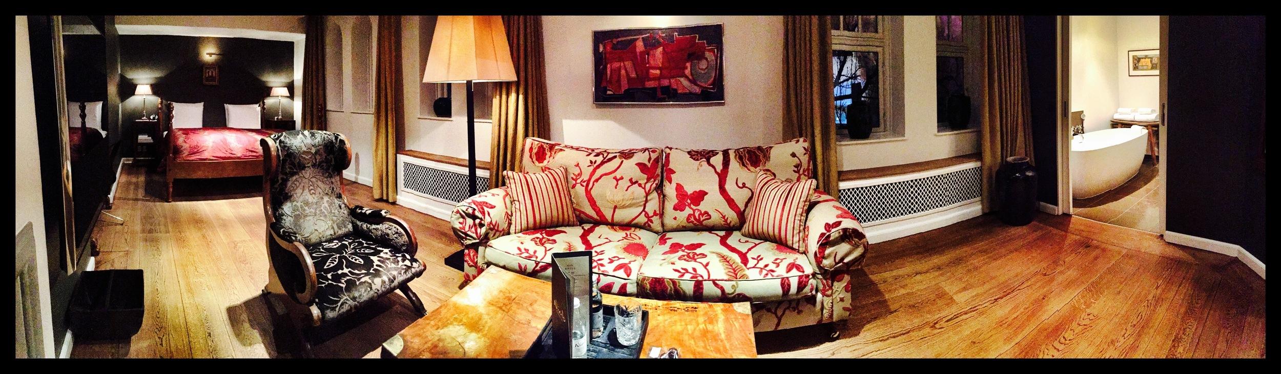 Mitt rom på Hotel Nimb - rom nr 13 var ikke akkurat noe ulykkesrom. Foto: Odd Roar Lange