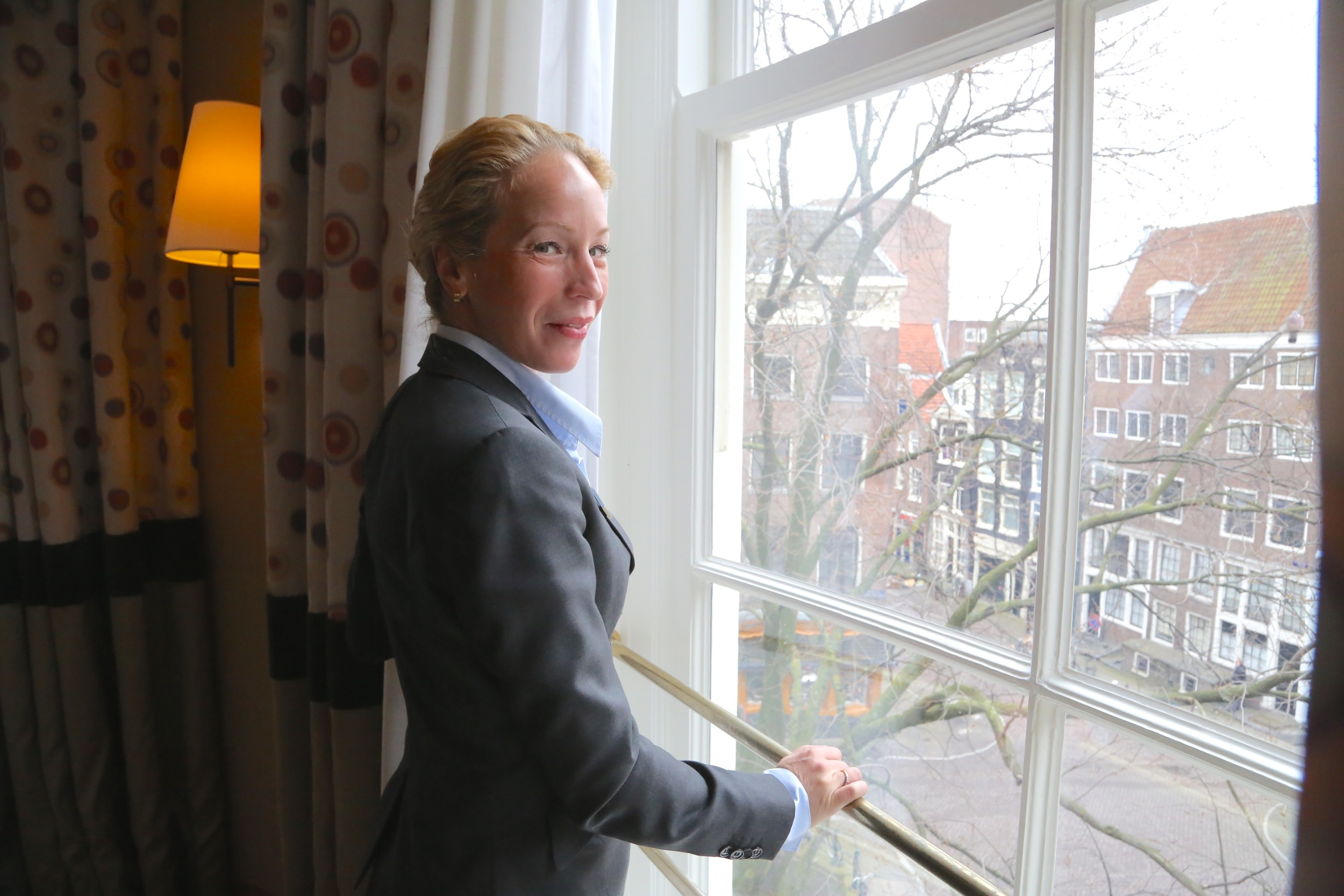Nynke van der Berg har en stolt hotellhistorie å ta vare på.                         Foto: Odd Roar Lange