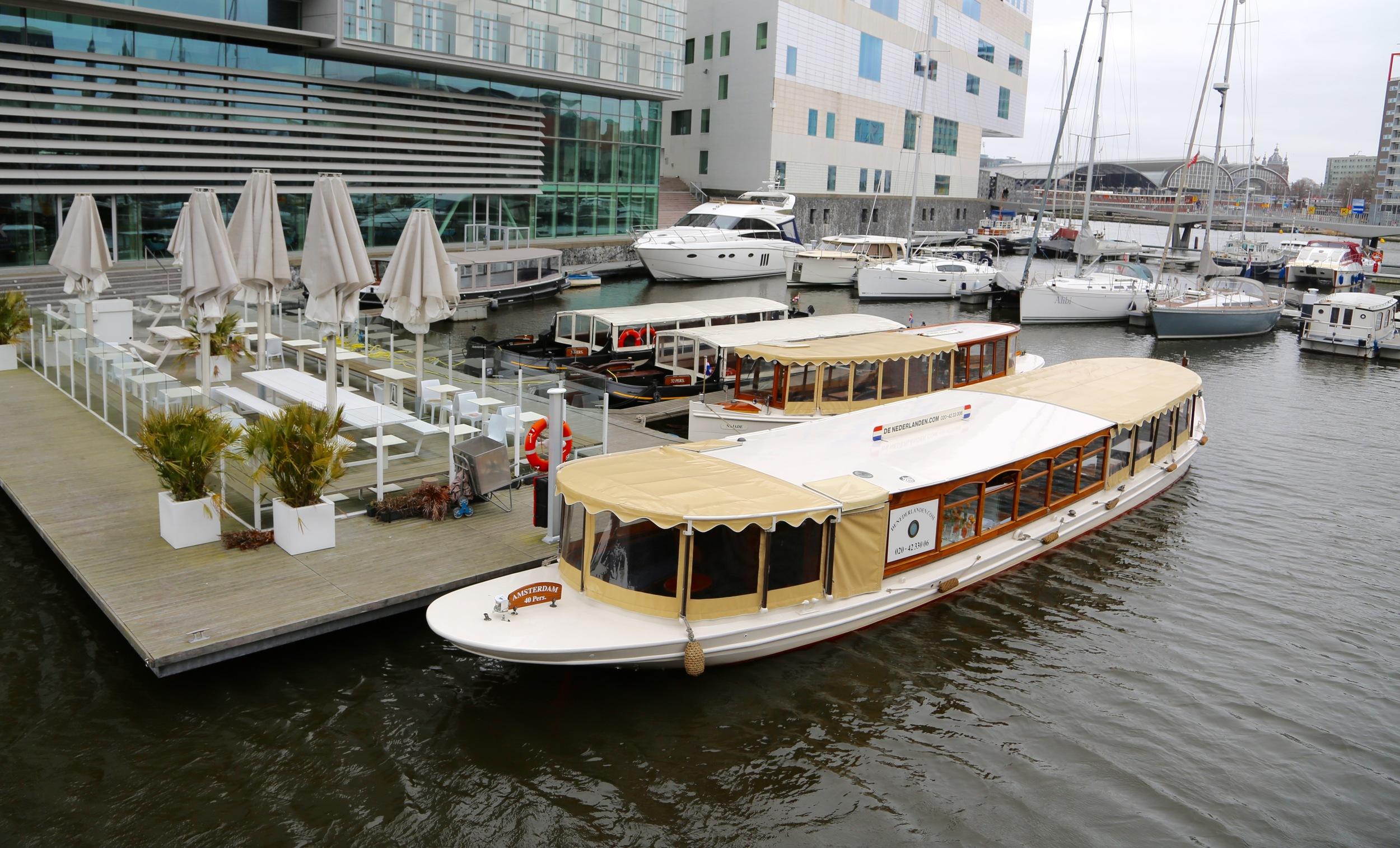 Ta et luksuscruise på kanalene i Amsterdam.                    Foto: Odd Roar Lange