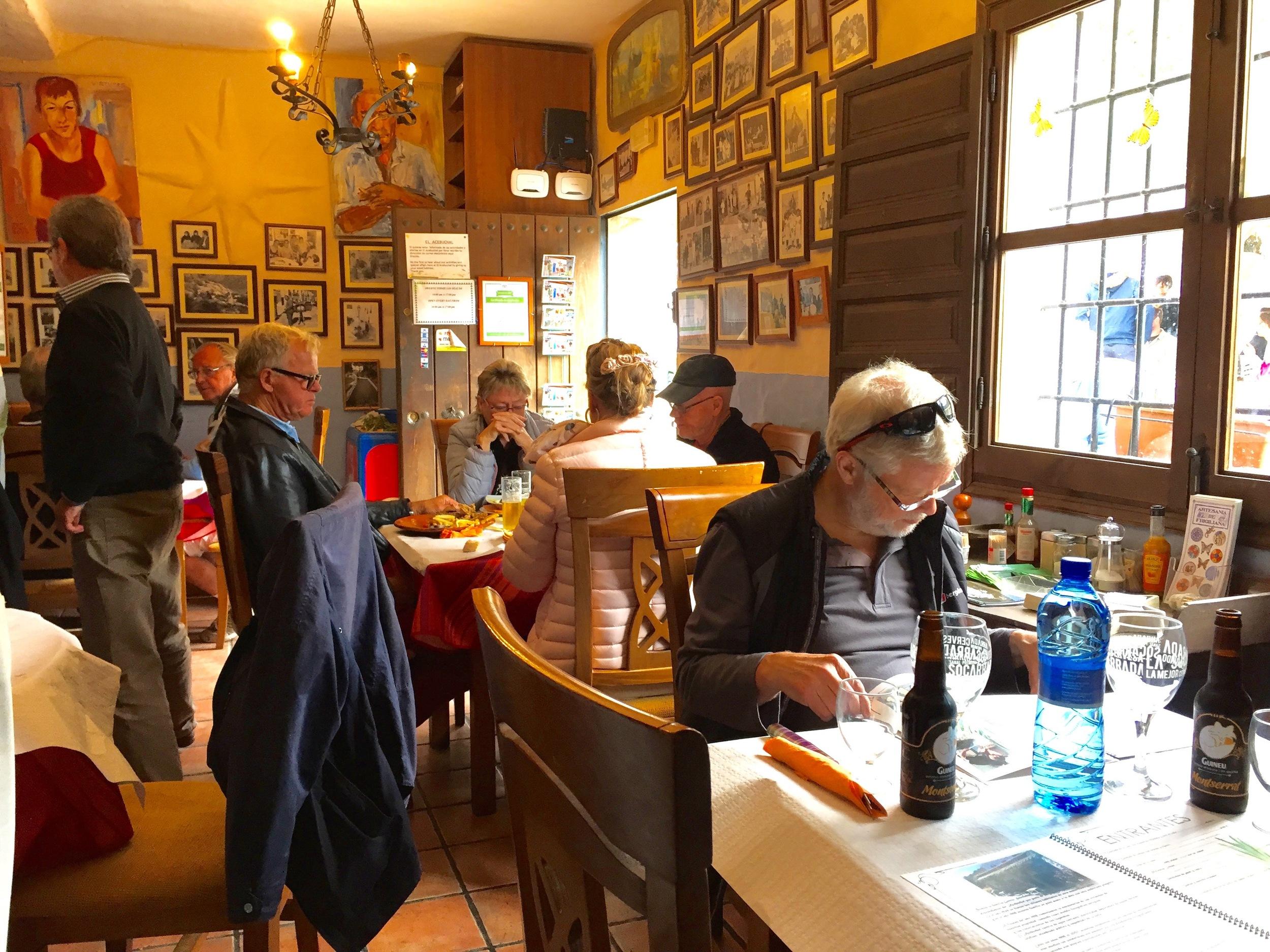 Husker du å besøke de lokale spisestedene? Fortell om din favoritt til andre Foto: Odd Roar Lange